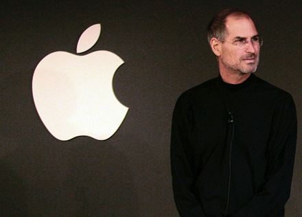 Apple denunciata per frode e violazione della privacy