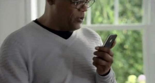 Apple iPhone 4S: nuova pubblicità di Siri con Samuel L. Jackson e Zooey Deschanel