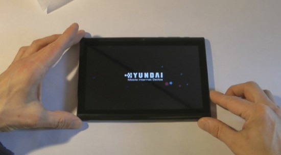 Hyundai A7HD: video unboxing del nuovo tablet Android da 150 euro