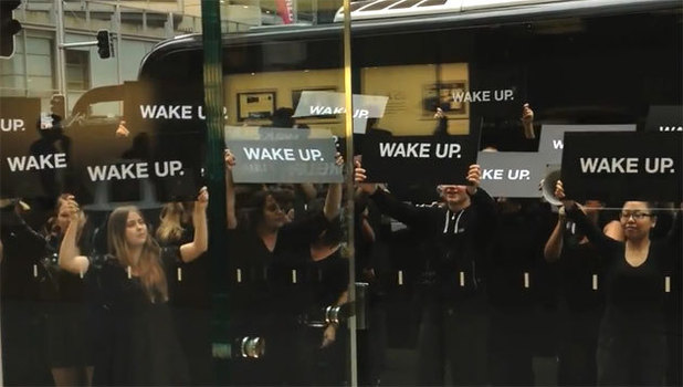 RIM ha organizzato la campagna Wake-Up contro Apple in Australia