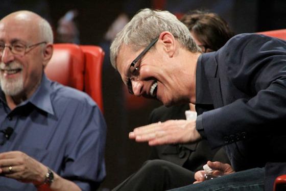 Tim Cook è favorevole alle indiscrezioni sui prodotti Apple