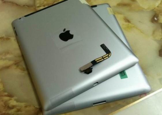 Apple nuovo iPad: immagine del modello con connettore Lightning