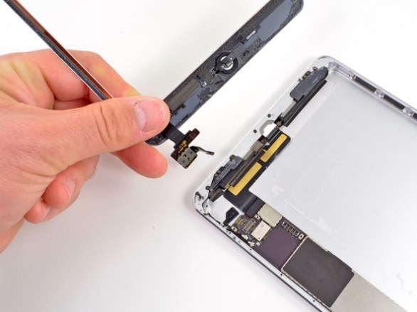 Apple iPad Mini smontato da iFixit, primo iDevice con speaker stereo