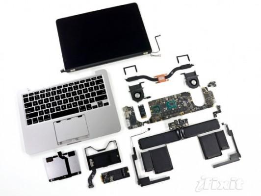 Apple Macbook Retina da 13 pollici smontato pezzo per pezzo da iFixit