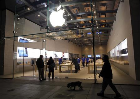 iPad Mini: poche persone in fila per il nuovo tablet di Apple