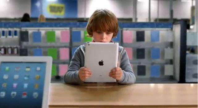 Finding Santa: nuovo spot americano sui prodotti Apple