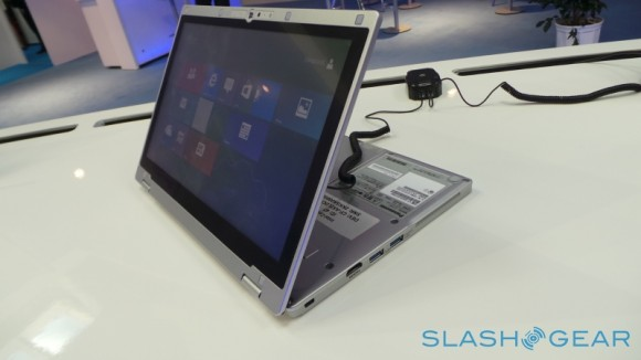 "Panasonic Toughbook CF-AX2: prime impressioni del nuovo tablet ultrabook ""rugged"""