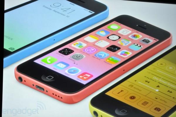 iPhone 5C: la proposta di Apple per la fascia media