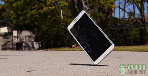 Samsung Galaxy Note 3: video di drop test, non fatelo mai cadere!
