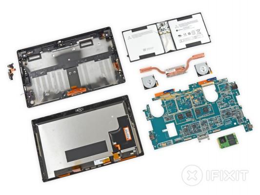Microsoft Surface 2 Pro smontato pezzo per pezzo, ben 52 viti!