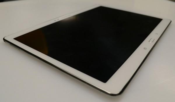 Samsung Galaxy Tab S 10.5: nuove immagini dalla FCC svelano il design