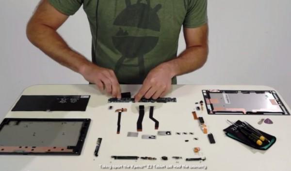Sony Xperia Z2 Tablet: video del montaggio pezzo per pezzo