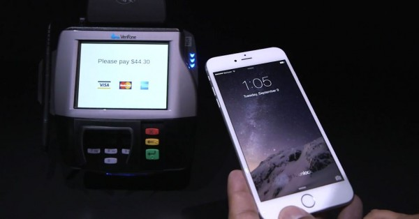 Apple Pay: provato dal vivo il pagamento via NFC dell'iPhone 6