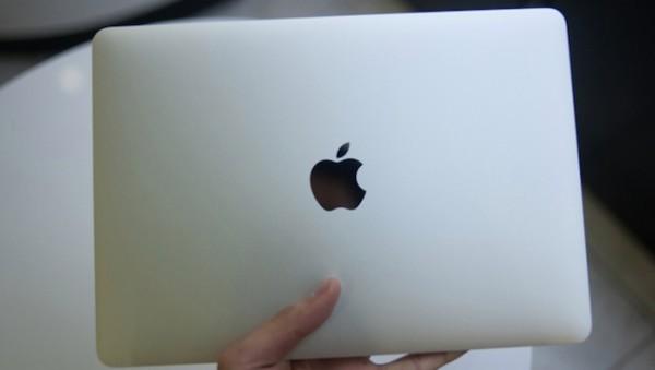 Macbook Retina da 12 pollici: immagini unboxing e benchmark