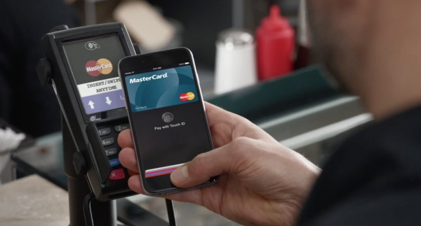 Apple Pay: come pagare con l'iPhone se il cassiere non sa come si fa