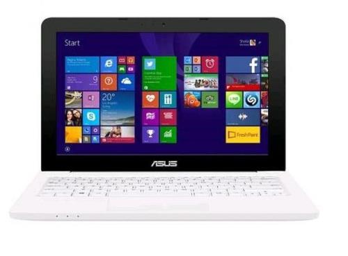 ASUS EeeBook E202SA sfida il Macbook al prezzo di 299 euro